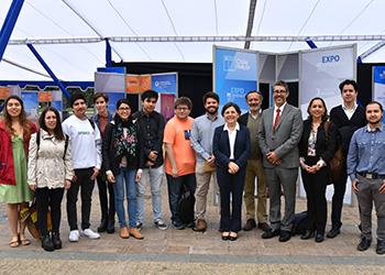 Alumnos del Instituto de Estudios Urbanos UC conocieron avances de los procesos de reconstrucción en Chile