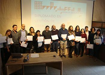 Instituto de Estudios Urbanos y Escuela de Arquitectura UC cierran exitoso Diplomado en Gestión de Áreas Metropolitanas