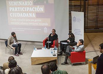 Seminario sobre Participación Ciudadana organizado por el Instituto de Estudios Urbanos UC