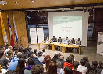 Asesores urbanos de los candidatos presidenciales debatieron sobre vivienda, barrio y ciudad en FADEU