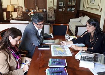 IEUT e Intendencia de Santiago acuerdan trabajo conjunto en materia de planificación urbana y territorial