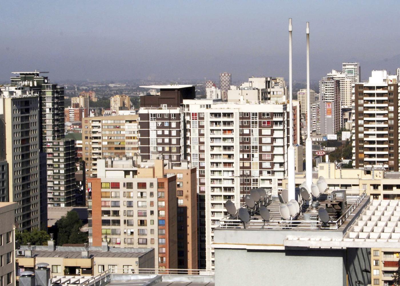 Vivienda, barrio y ciudad en el control de epidemias. Consideraciones sociales y urbanas para la formulación de políticas públicas de aislamiento y de distanciamiento social en Chile