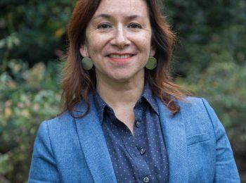 """Profesora María Luisa Méndez en radio T13: """"La precariedad del mercado laboral afecta de manera bien particular a la población más joven"""""""