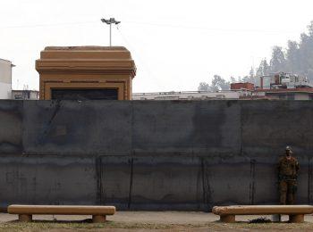 (The Clinic) El nuevo muro de Berlín: Urbanistas y arquitectos proyectan el futuro de la Plaza Baquedano sin la estatua
