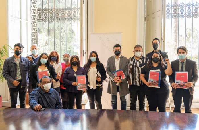 El Mostrador: organizaciones de pobladores presentaron ante mesa de la CC la «Agenda Popular por la Vivienda y la Ciudad»
